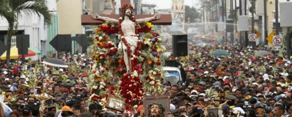 Procesión Cristo del Consuelo en Guayaquil