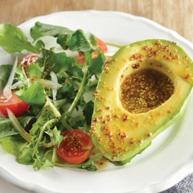 Ensalada de aguacate con vinagreta de mostaza